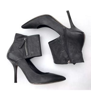 $325 VERA WANG Ankle Leather Booties Sz 7 Black